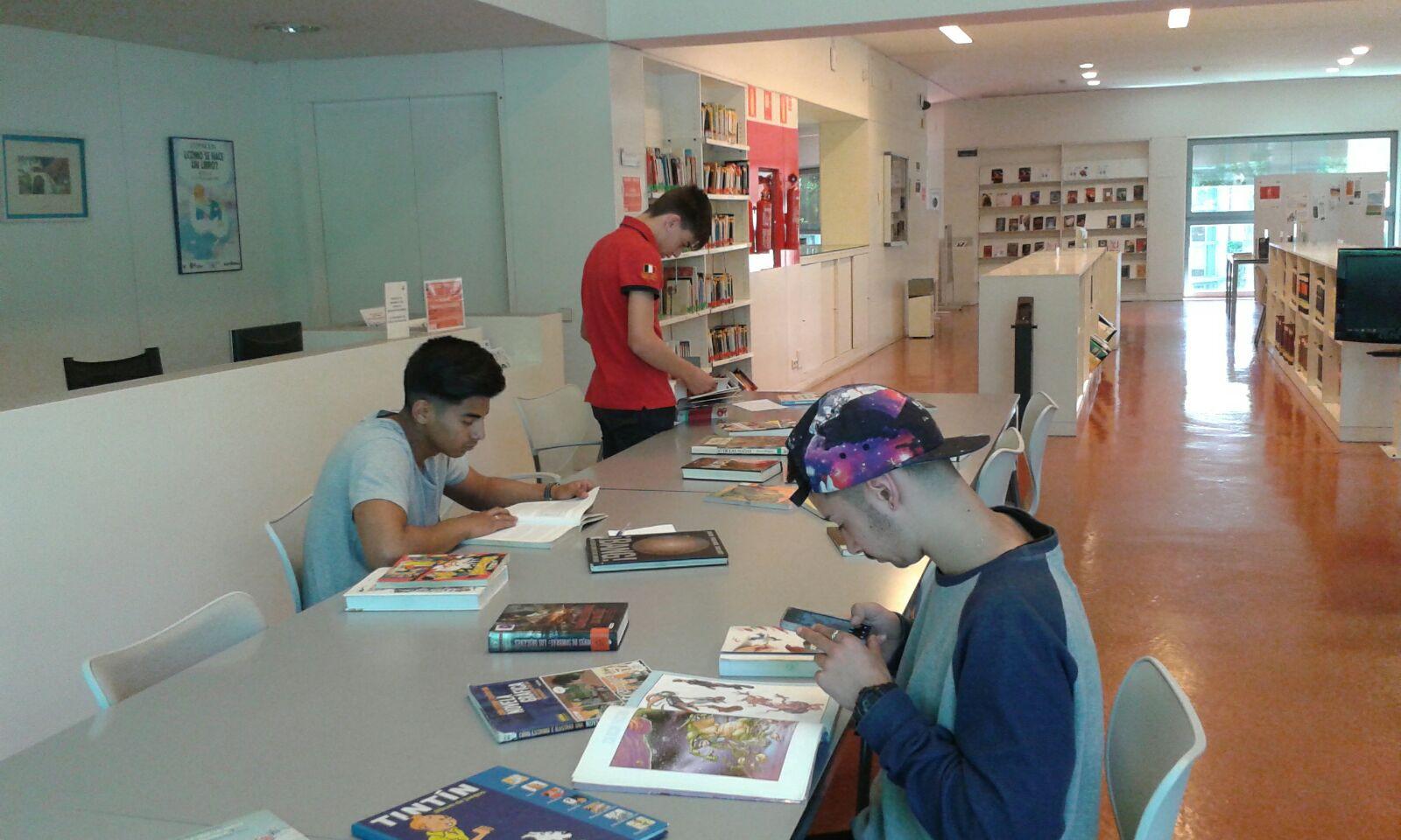 Formación Profesional Básica. Visita a la Biblioteca Infanta Elena de Sevilla. Abril 2016